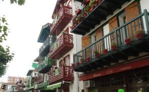 Balcones del barrio de la Marina