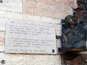 Homenaje a Shakespeare en la Piazza Brá