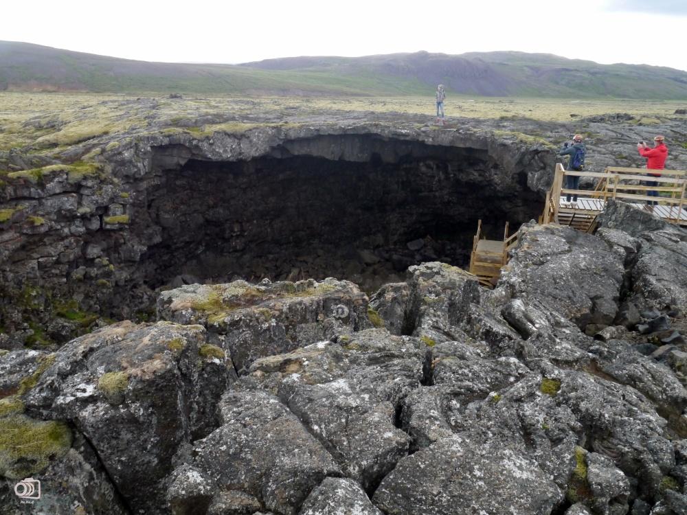 Entrada a la cueva Víðgelmir.